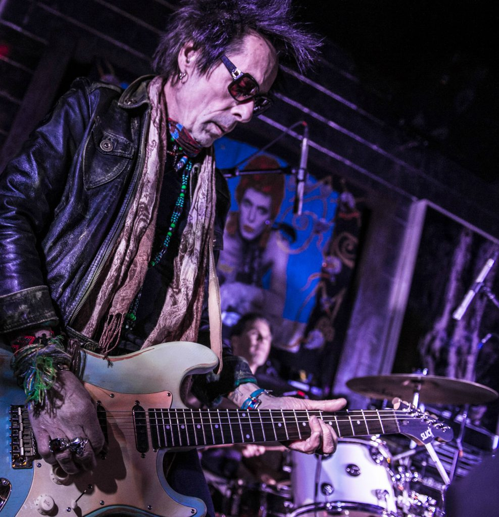 YOU TALKIN' TO ME? EARL SLICK RIFFS ON BOWIE AND LENNON